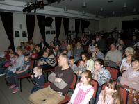 Publiczno-podczas-spektaklu-Z-malowanej-skrzyni